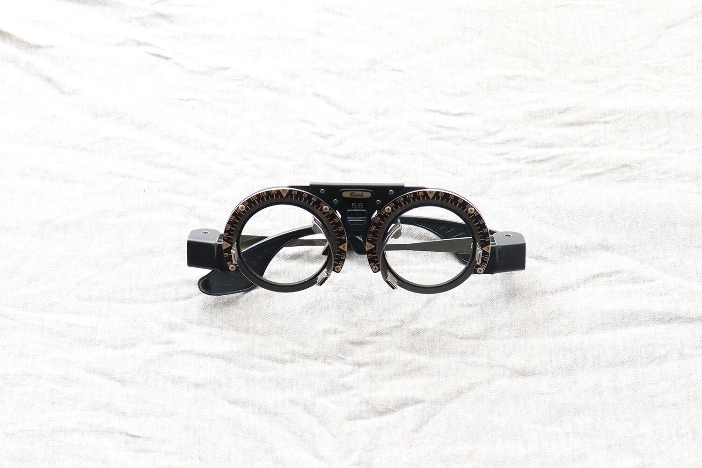 【日本】視力検査用の試験枠