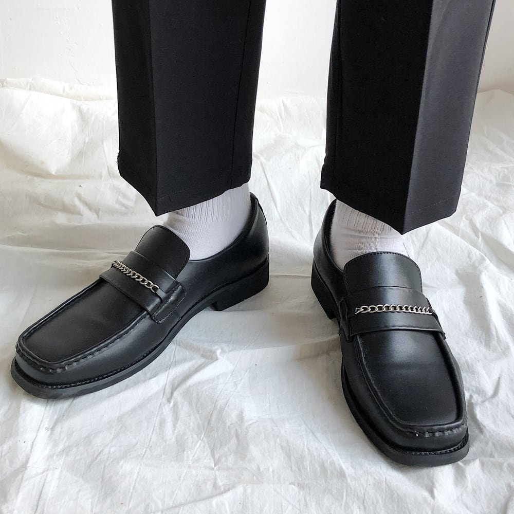 Square to chain loafers   a-157