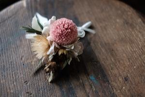 春色ピンポマムのコサージュ
