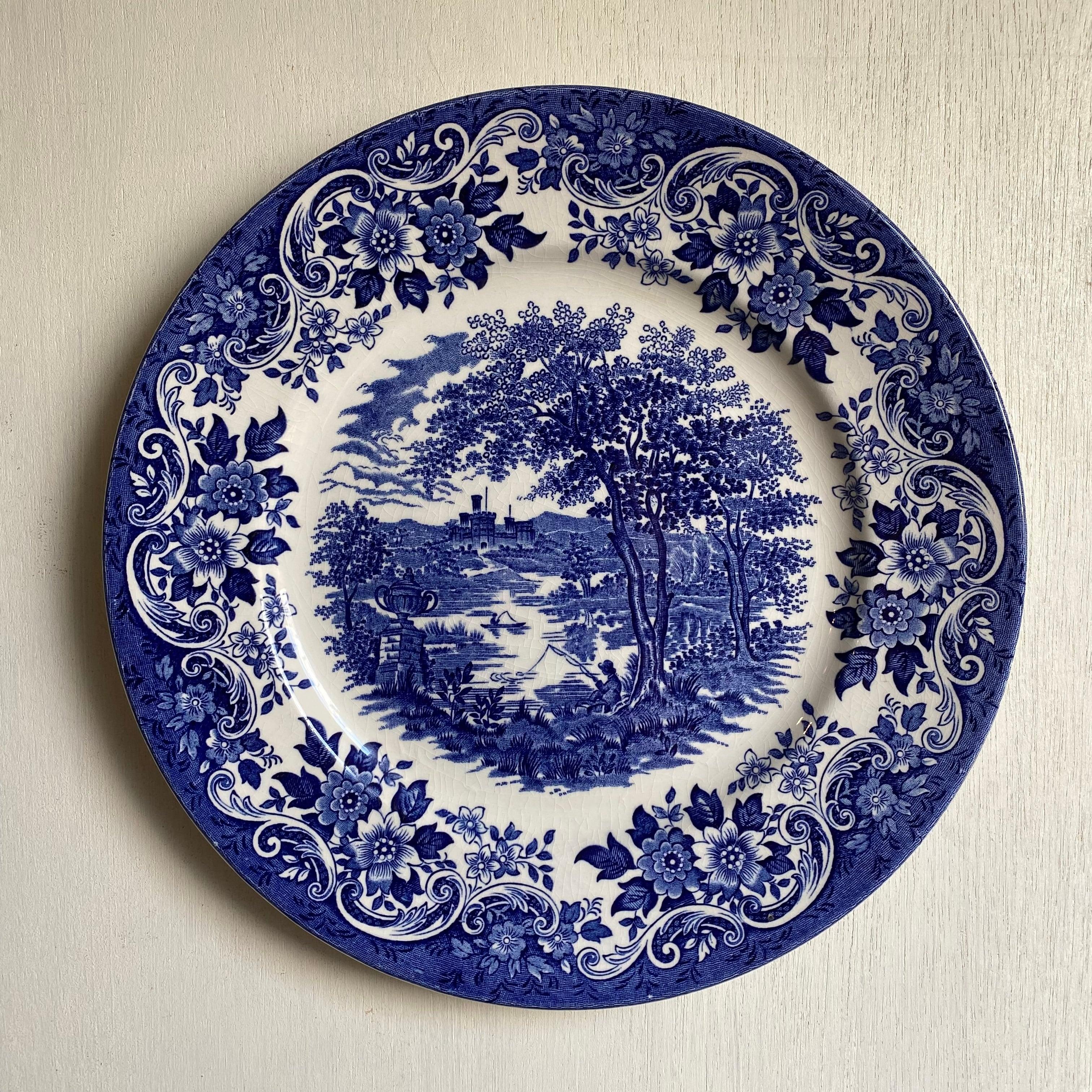 青いケーキ皿