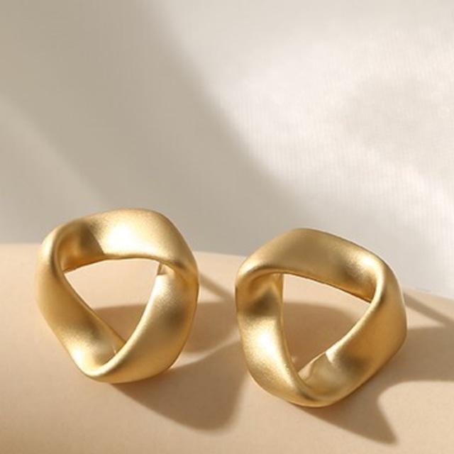 Design pierced earrings  KRE689