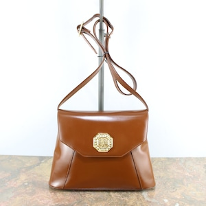YVES SAINT LAURENT GOLD LOGO LEATHER SHOULDER BAG MADE IN FRANCE/イヴサンローラン金ロゴレザーショルダーバッグ