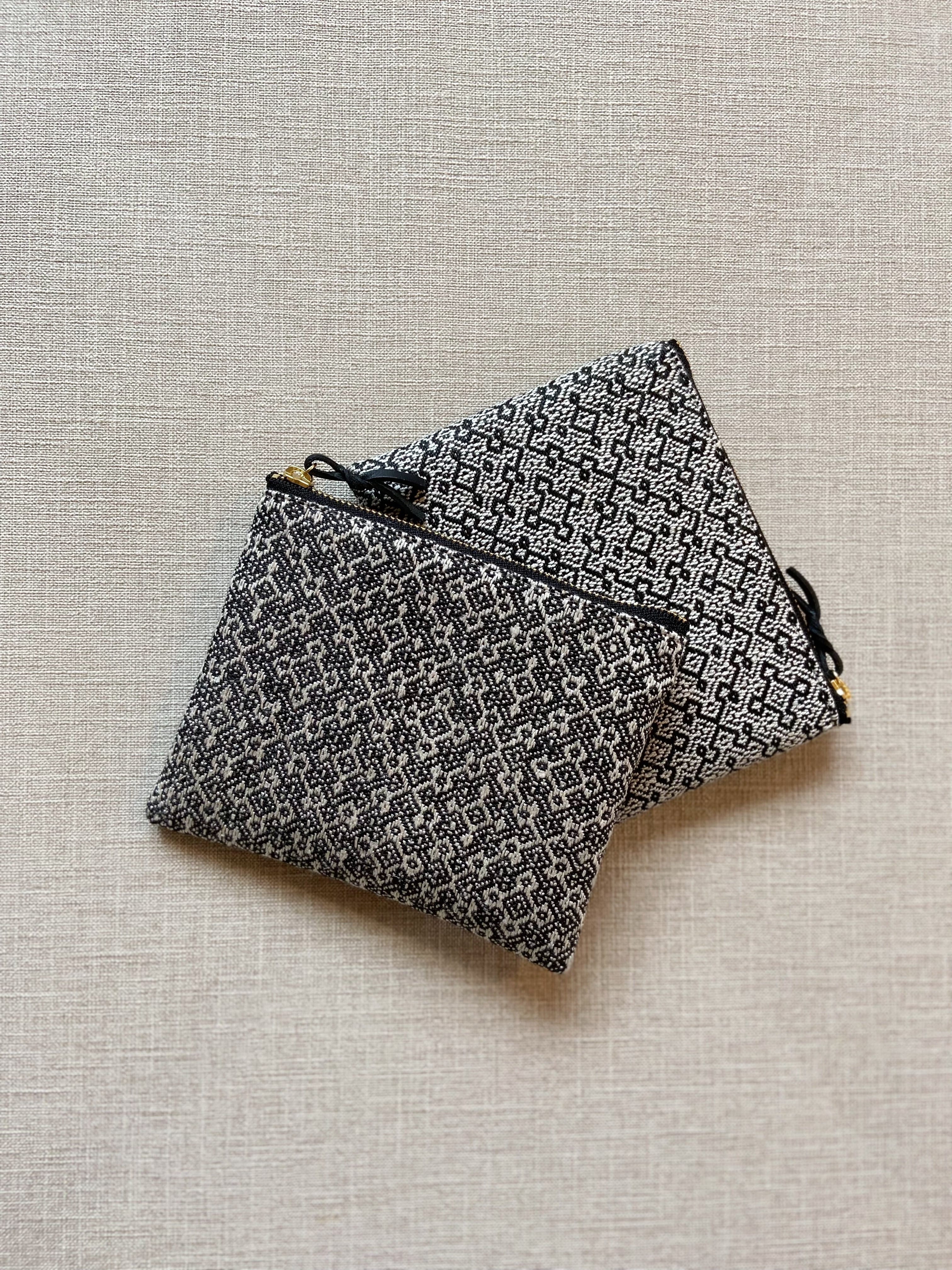 Hand-woven pouch 14cm / Rocca   手織りミニポーチ 六花