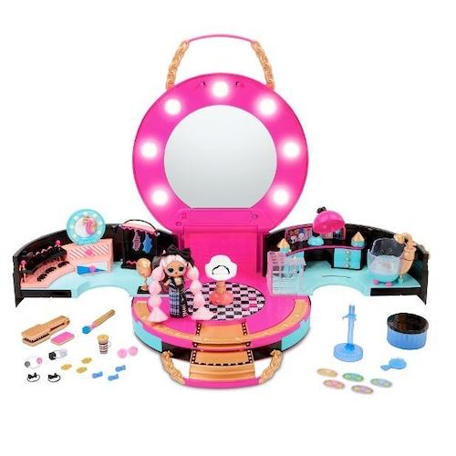 送料無料 L.O.L. Surprise! Hair Salon Playset with 50 Surprises and Exclusive Mini Fashion Doll Shop all L.O.L. Surprise!