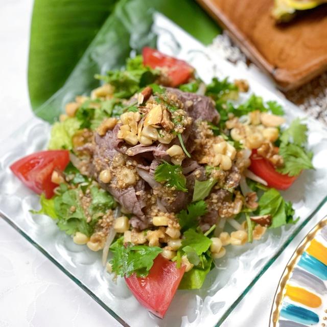 牛肉とルッコラのベトナム風サラダ