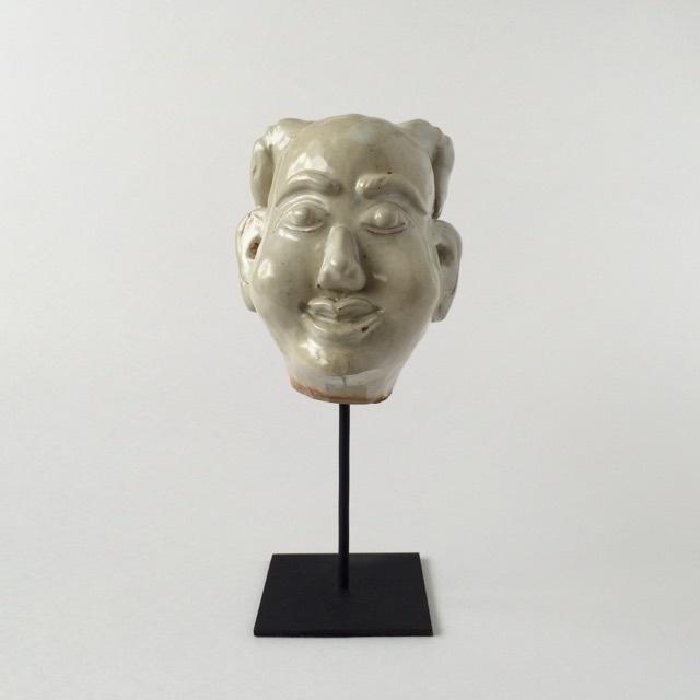 白い磁器の首像 Ancient Thai People Statue