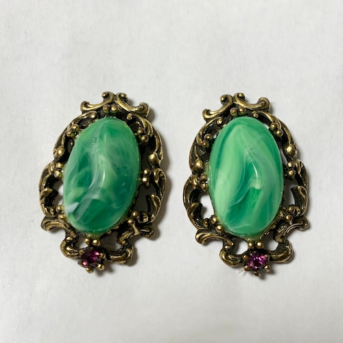 Vintage Victorian Style Deep Gold Tone Metal & Marble Plastic Earrings