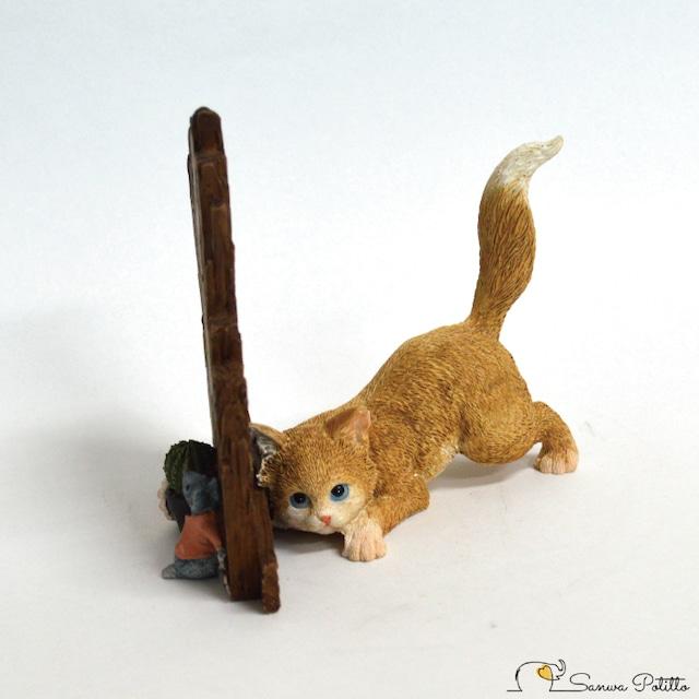 猫とネズミ 塀を挟んでの攻防 EV13265A 高さ約10cm 茶トラ猫 ねこ ネコ レトロ アンティーク風 置物 オブジェ プレゼント ギフト かわいい ミニチュア