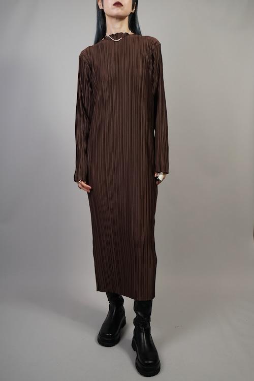 PLEATS LONG DRESS  (BROWN) 2109-23-75