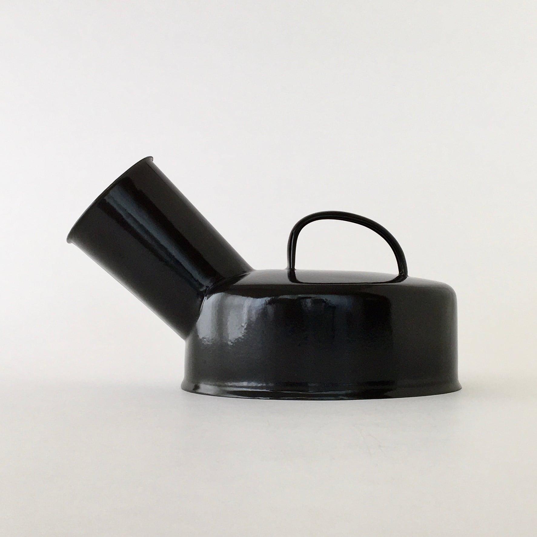 ホーローのチャンバーポット|Chamber Pot Black(PUEBCO)