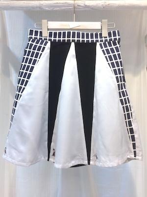 MELANTRICK HEMLIGHET 服のかみさまスカート