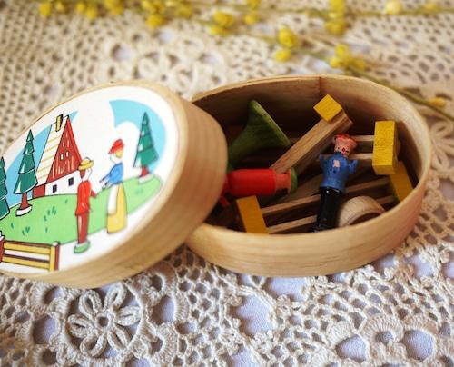 ドイツ わっぱ箱入り 農場 エルツ人形 手作り木工芸品 Spanschachtel