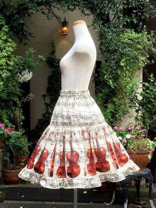 クラシカルバイオリンミディアムスカート