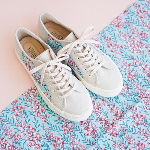 【予約期間特別価格】スニーカースエード調  星あつめ 靴底厚めタイプ