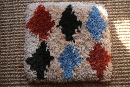 佐藤隘子さんのノッティング ー手織りの椅子敷きー   60.