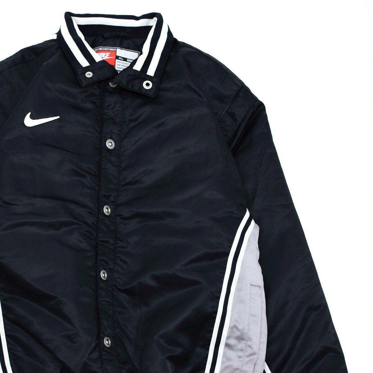 NIKE line & switching color nylon jacket