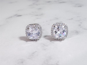 square stone pierce