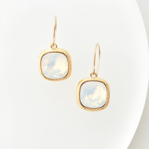 14KGF Swarovski(White Opal) pierces