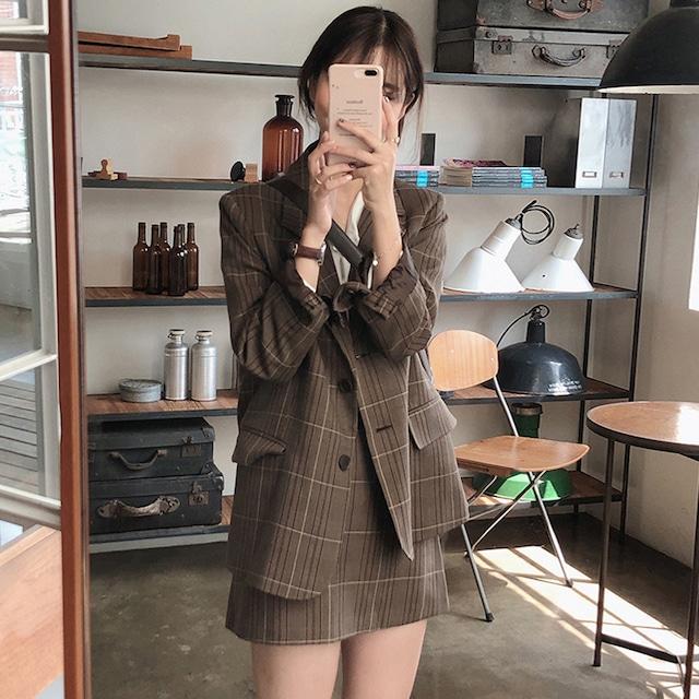 レトロなチェック柄ジャケット+Aラインショートスカート S2326