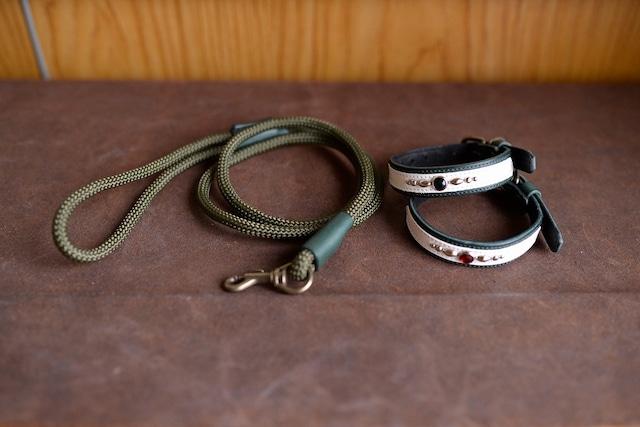 深緑の革の首輪と登山用のロープを使ったリードのセット S-sd5L5tb