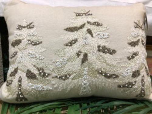 ⭐ビジューがついたゴージャスな中身付きクッション 【CYNTHIA ROWLEY】 クッション 中身付き クリスマス ツリー ビーズ フェザー ダック 羽毛 フカフカ インテリア 海外 角型 46cm 33cm 長方形 ふかふか プレゼント メッセージ かわいい オシャレ ファスナー 見えにくい