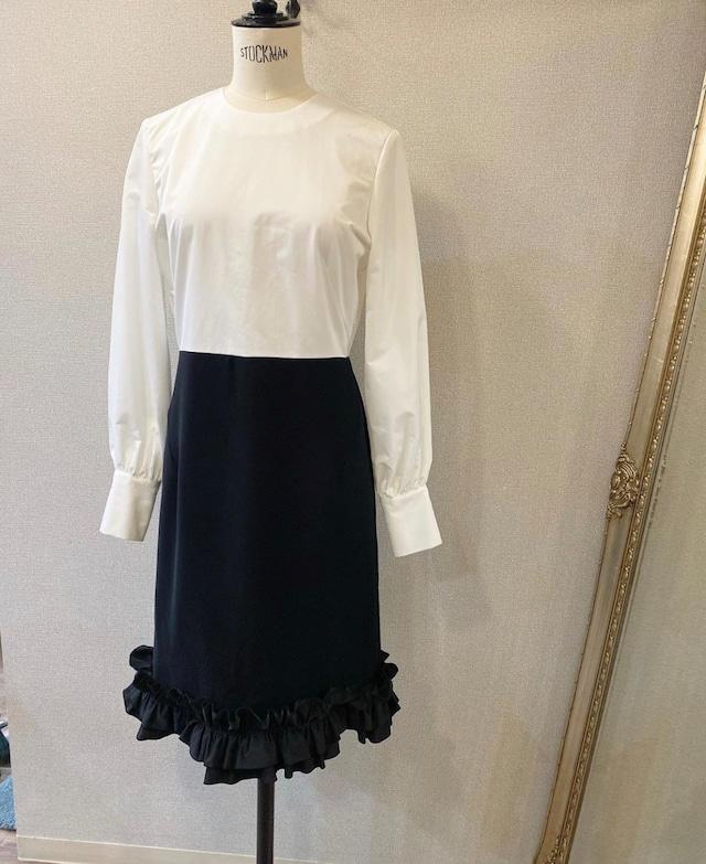 hue ヘムフリルバルーンスリーブドレス