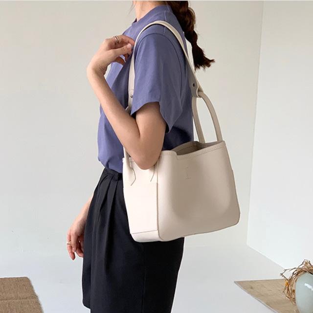 トートバッグ ショルダーバッグ 肩掛け 女性用 OL 通勤 オフィス デイリー お出かけ バッグ コンパクト 軽量 大人可愛い 結婚式 手提げバッグ バケツ型