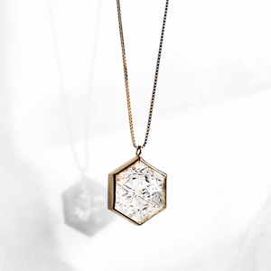 Quartz KIRIKO Necklace (Hexagon)