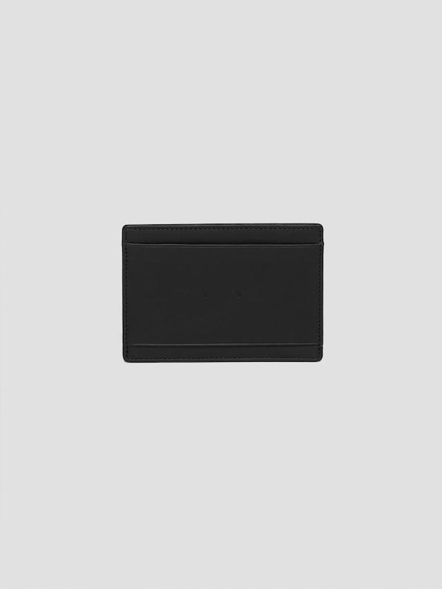 PB0110 CM9 Black
