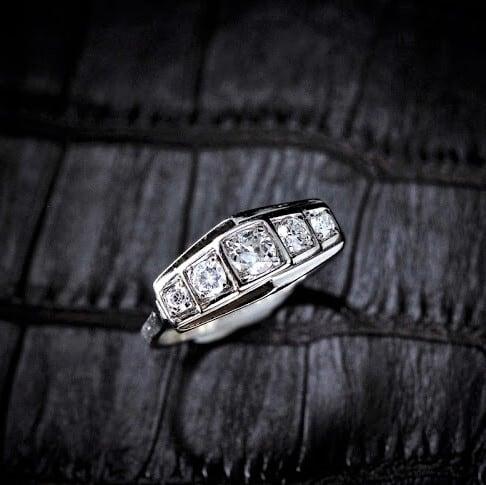 Art-Deco Five Stones Diamond & Platinum Ring アール・デコ ダイヤモンド & プラチナ リング