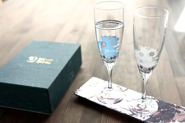 【cy-02s】『冷感雪結晶』『 シャンパングラス ペアセット』*雪結晶 スパークリンググラスペアセット 贈り物 温度 変化 不思議な マジック 日本酒 乾杯 グラス シャンパングラス タンブラー フリーグラス ギフト プレゼント お祝い 冬
