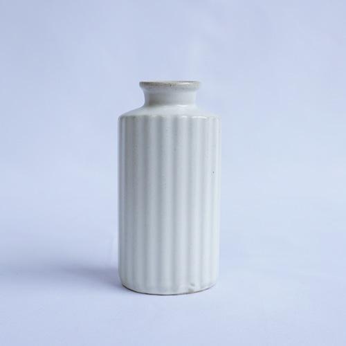 波佐見焼 花瓶~プリーツ~ホワイト