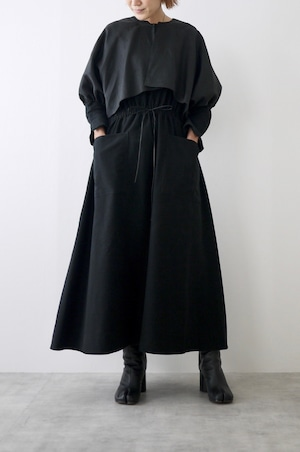 TENNE HANDCRAFTED MODERN   Weist shirring dress with cape