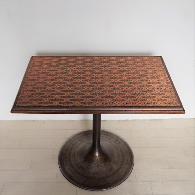 異邦人 銅板テーブル