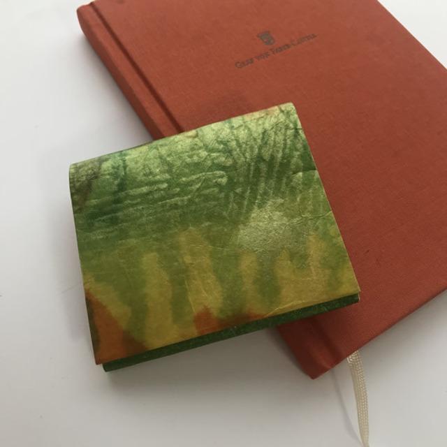 黒谷和紙のカードケース財布【金木犀】