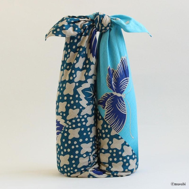 【Furoshiki】68 Silk Chirimen Yuzen Dyeing No.9 (Medium weight) | Japanese Apricot With Wave Rose【風呂敷】二巾9号 正絹ちりめん友禅 観世水に梅ローズ【箱入】