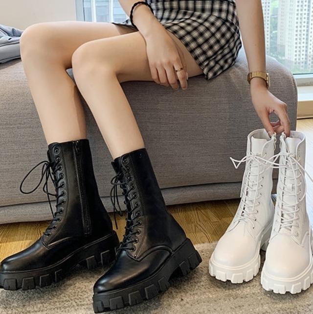 【シューズ】絶対欲しい  ファッションレトロ 丸トゥ ブラック 定番 韓国 厚底 ブーツ42831875