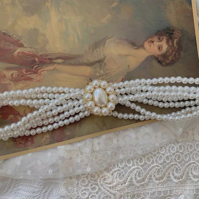 pearl cameo belt