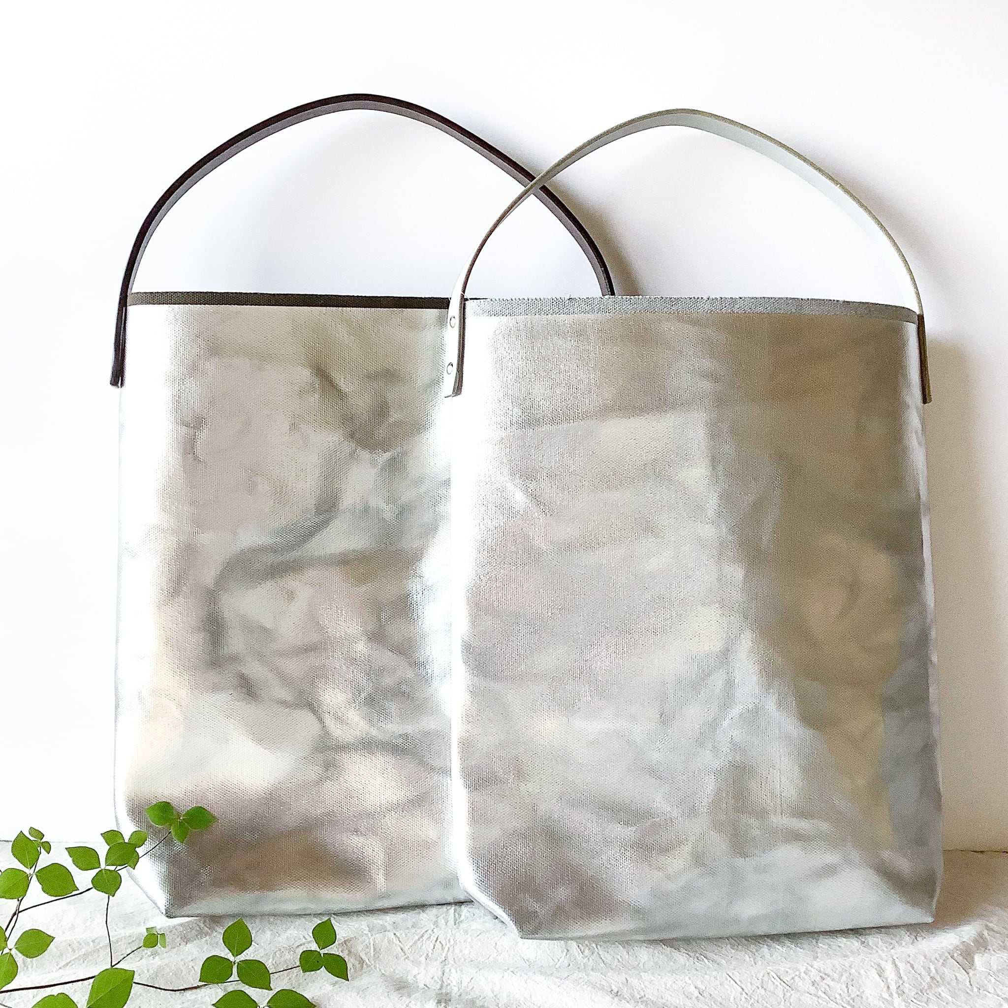 how to live - Flat Tote Bag Handle Medium トートバッグ - Topgray Silver / Khaki Silver