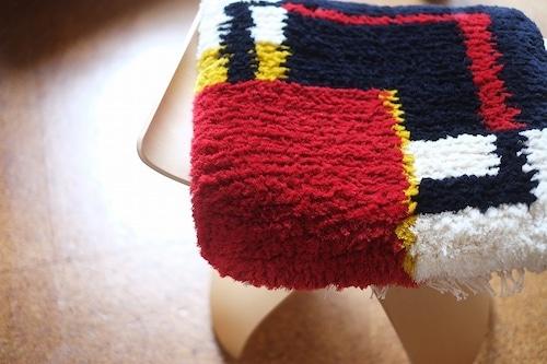 【佐藤隘子さんのノッティング】 ー手織りの椅子敷きー    ◆入荷いたしました◆
