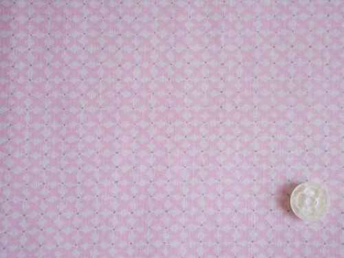 Moda Sophie ピンクのクロスステッチプリント