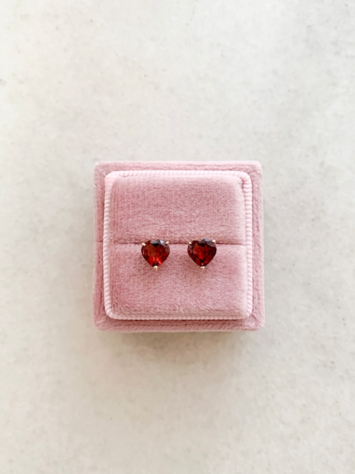 【aunn】Heart garnet pierce(ハートガーネットピアス)