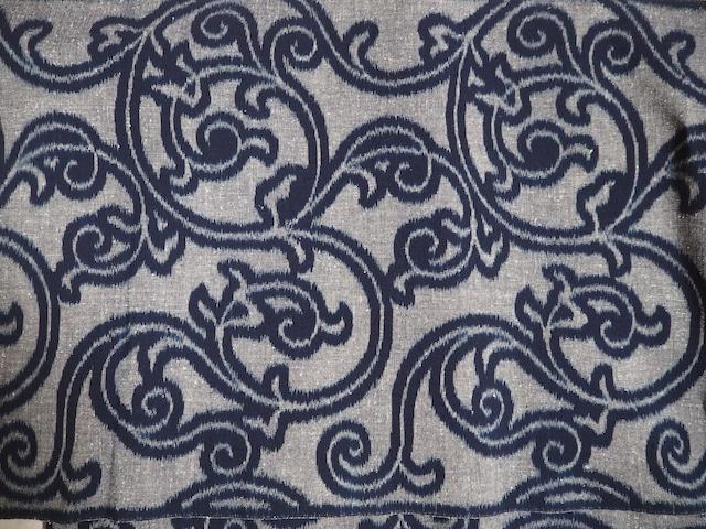 久留米絣・天然藍100% 手織り生地(唐草模様) カット販売(1メートル単位)