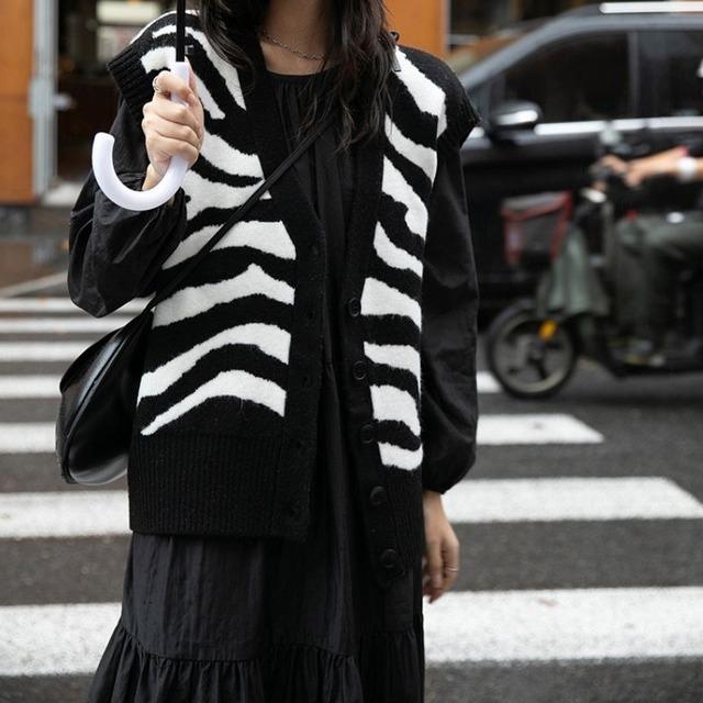 Zebra pattern vest KRE1084