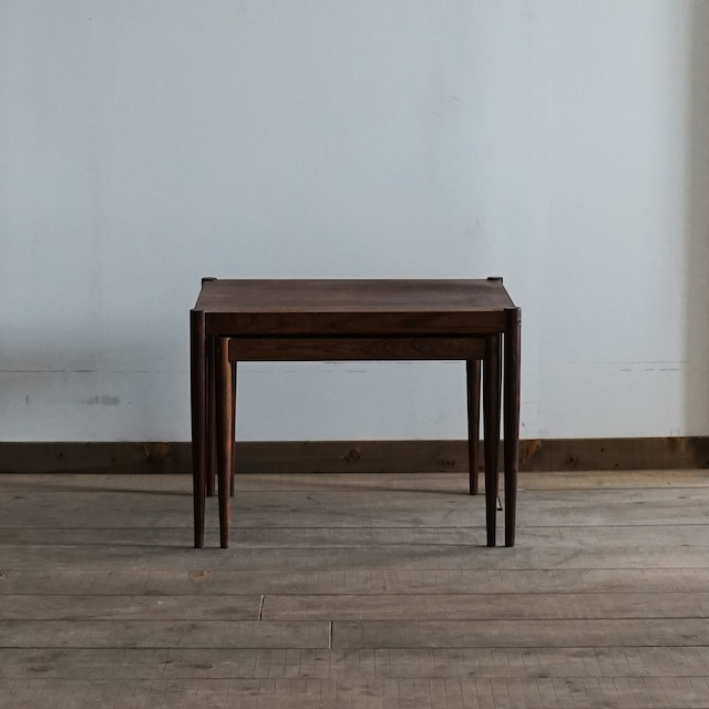 #03-02  Square side table