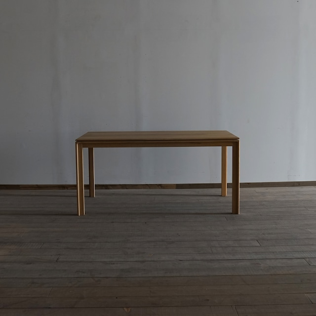 #03-04  Square table
