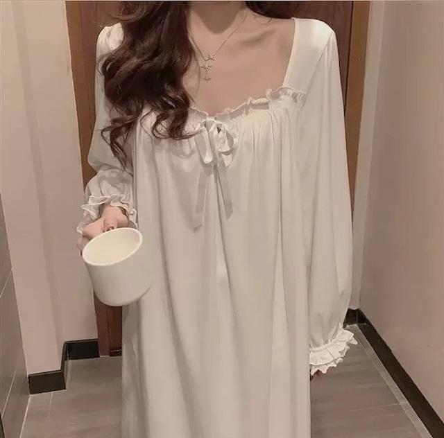 white lace room wear