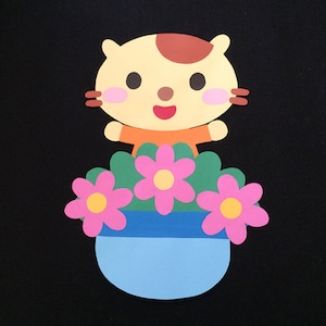 誕生表に使えるネコ(ピンク)の壁面装飾