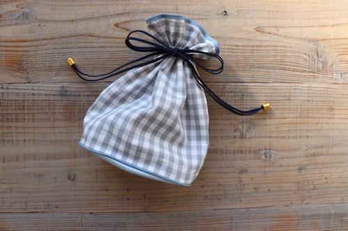 チェック巾着ポーチグレー 小サイズ