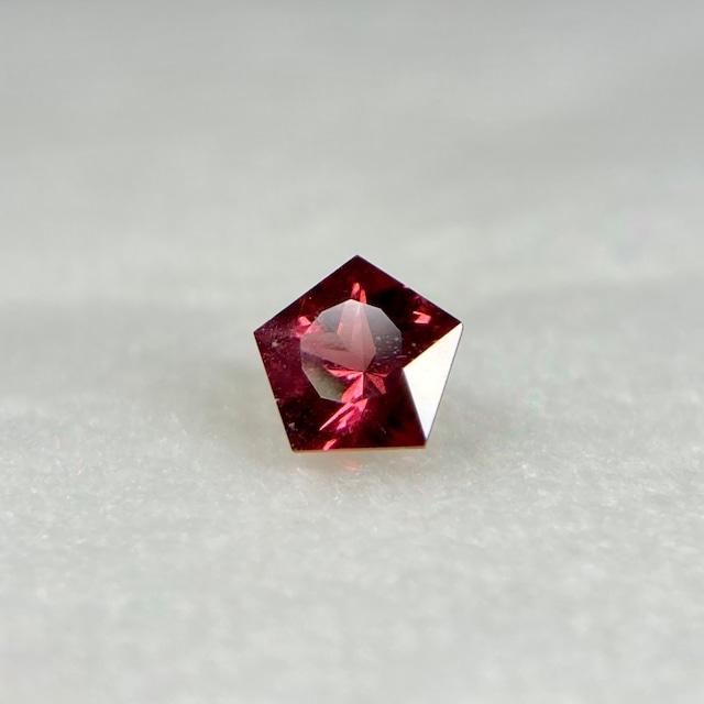 星のガーネット  約4.6mm*2.7mm r-0345